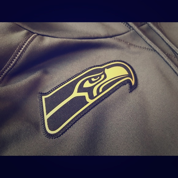 official photos 699ed 03532 Nike Seattle Seahawks 'Salute To Service' hoodie.